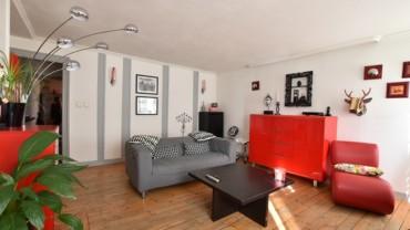 Appartement F3 DUPLEX SECTEUR PLACE DU THERON