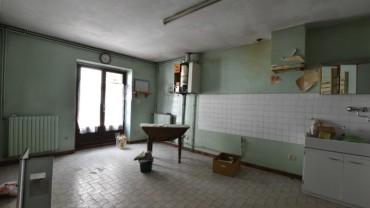 Maison de bourg 180 m2 à rénover ESPALY