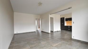 Appartement 3 pièces Brives + parking privé