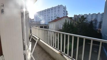 F4 91 m2 + parking et balcon centre ville