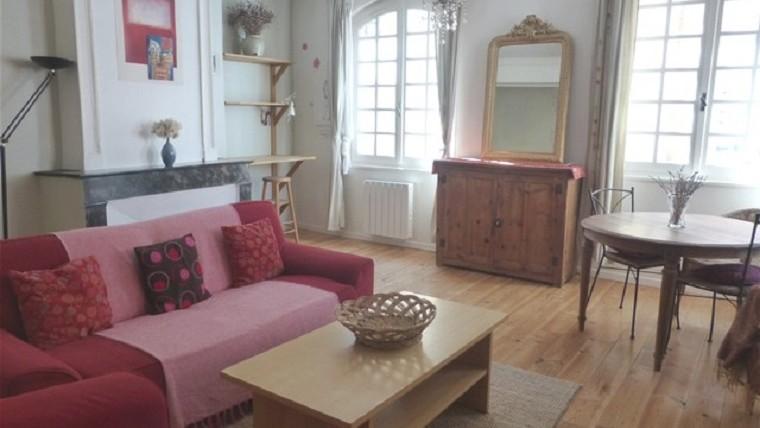 2 pièces meublées + cuisine