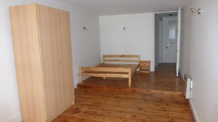 1 pièce avec meubles