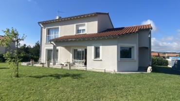 Maison récente 140 m2 Le Bouchet Saint Nicolas